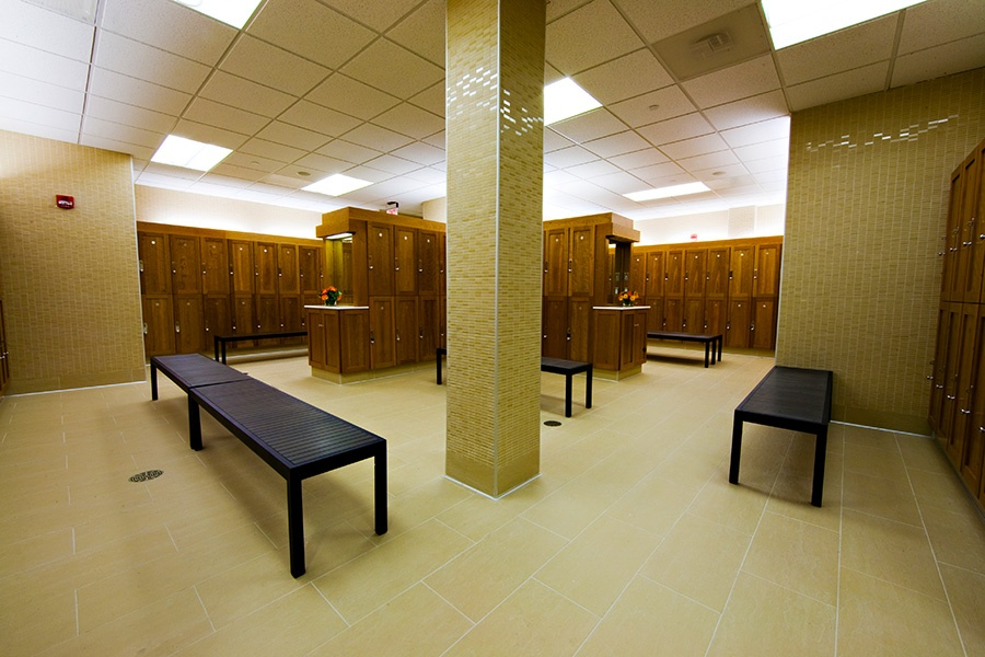 brambleton-ashburn-va_locker-rooms-2_900x600.jpg