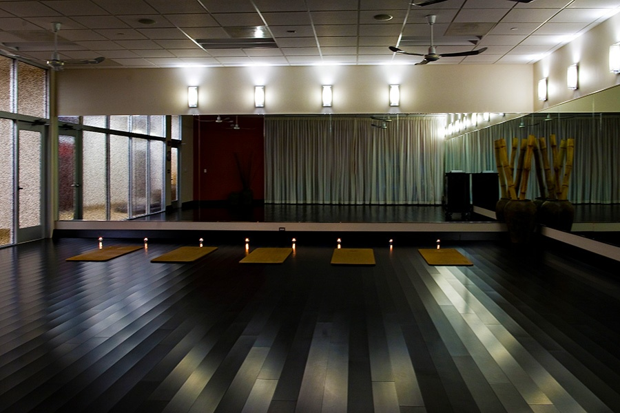 brambleton-ashburn-va_yoga-pilates-studio_900x600.jpg